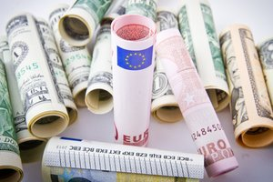 Курс евро в Украине вернулся к росту
