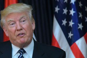 В Белом доме заявили, что Трамп пока не определился с позицией по антироссийским санкциям