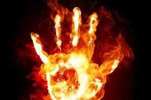 На АЗС во Львовской области мужчина угрожал облить себя бензином и поджечь