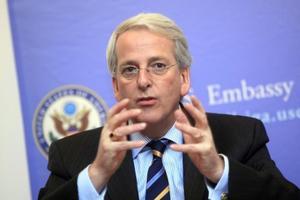 """Американский дипломат заявил о """"конце эпохи"""" в отношениях США и Европы"""