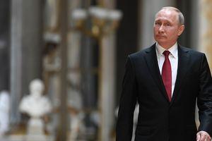 """Путин в Париже попытался """"присвоить"""" Анну Ярославну"""