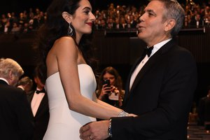 Джордж Клуни отменил все рабочие поездки из-за скорых родов жены