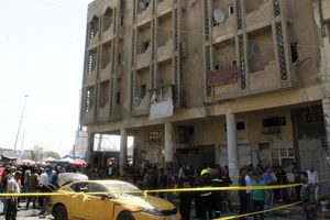 В Ираке смертник подорвал себя у школы
