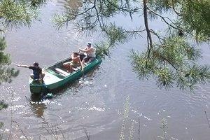 В киевском парке из озера достали утопленника