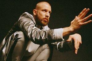 Иван Дорн отменил концерт в Одессе и записал стихотворное обращение