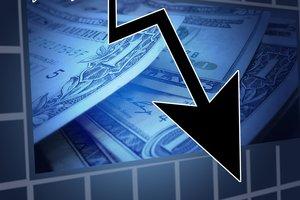 Кабмин ухудшил прогнозы по росту ВВП и по инфляции