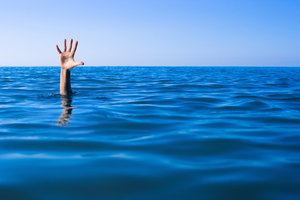 Возле Львова в озере утонул мужчина