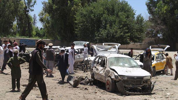 Число жертв взрыва в Кабуле возросло до 90 человек, фото AFP
