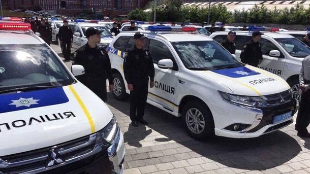ВДнепре Аваков вручил полицейским области новые джипы