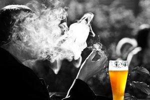 Ученые опровергли миф о том, что курение вызывает рак
