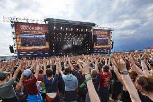Посетителей фестиваля Rock am Ring в Нюрбурге эвакуировали из-за угрозы теракта