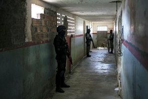 В Бразилии во время бунта в колонии погибли семеро подростков