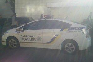 В Киеве пьяный дебошир обстрелял автомобиль, в котором находился ребенок