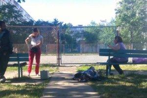 """""""Боярышник"""" добрался до Киева: мужчина умер прямо на детской площадке"""