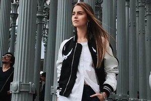 Внучка Софии Ротару в шортах и оригинальной блузке отметила 16-летие в ресторане