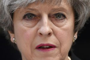 Мэй призывает пересмотреть антитеррористическую стратегию Британии