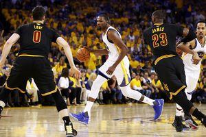 "Финал НБА: ""Голден Стейт"" повел 2:0 в серии с ""Кливлендом"""