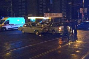 Масштабное ДТП в Киеве: в столкновение легковушек пострадали три человека