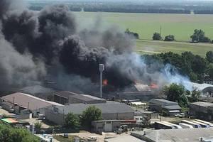 Масштабный пожар под Киевом: в Броварах горят склады с топливом