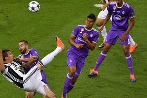 Гол Манджукича признан лучшим в сезоне Лиги чемпионов