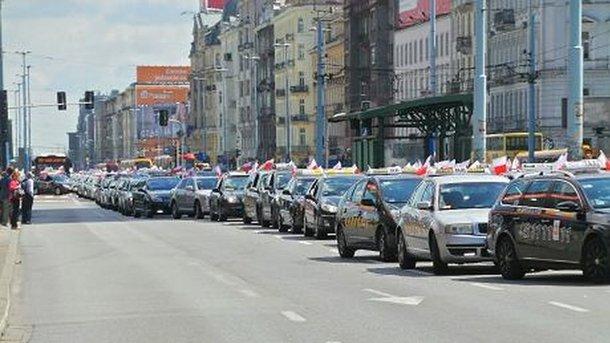 Вкрупнейших польских городах бастуют таксисты