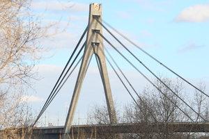 Киевлян ждут пробки: на Московском мосту начинается ремонт