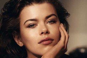 24-летняя модель обнажила грудь в Instagram
