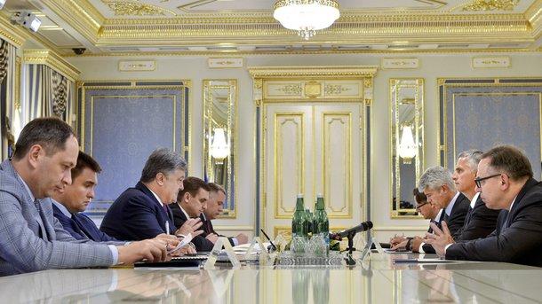 Переговоры в Администрации президента. Фото: president.gov.ua