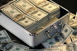 В Одессе мошенник забрал у украинцев 3 миллиона долларов