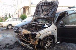 В Луцке сгорел автомобиль нардепа
