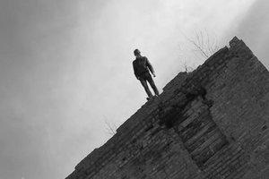 В Харькове парень выбросился с четвертого этажа