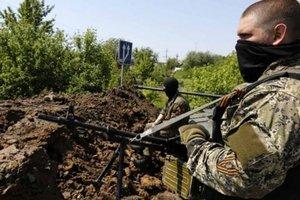 Трое пограничников получили контузии возле Павлополя из-за обстрелов боевиков