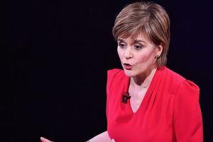 Шотландская национальная партия намерена помешать Терезе Мэй сохранить власть - Стерджен