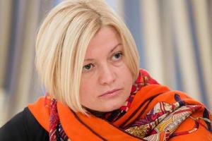 Геращенко считает, что россияне должны въезжать в Украину по биометрическим паспортам