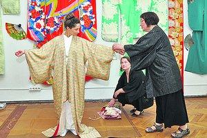 Харьковчанка собрала невероятную коллекцию из 200 кимоно из Японии