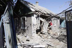 Обстрел Марьинки: двое раненых в средне тяжелом состоянии