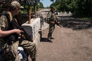 Ситуация на Донбассе: раненые бойцы и погибший мирный житель