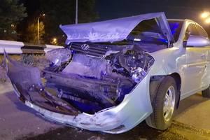 В Киеве Honda, развернувшись, отправила Hyundai в отбойник
