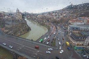 Ливень с градом затопил Тбилиси