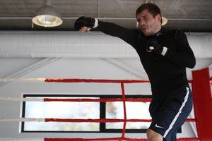 Денис Беринчик выиграл первый бой за пределами Украины
