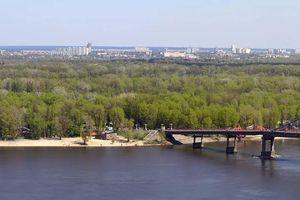 В Киеве ограничат въезд транспорта на Труханов остров