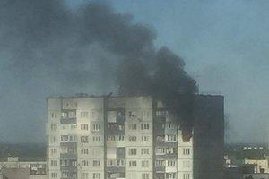 В Киеве - масштабный пожар в многоэтажке: горят две квартиры
