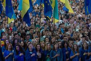 Порошенко, Кличко и Яценюк поздравили украинцев с безвизом