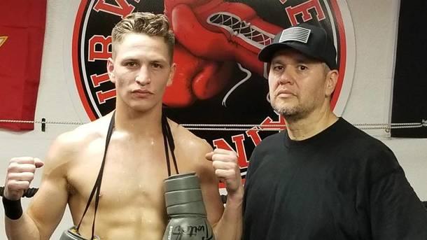 Американский боксер впал вкому после поражения нокаутом