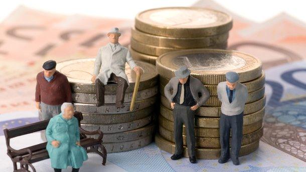 Нужно пересчитать все пенсии, исходя изцифры 3764 гривны— Рева