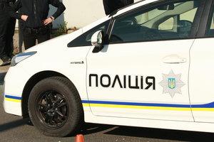 В Киеве грабители напали на частный дом, связали подростков и похитили сейф