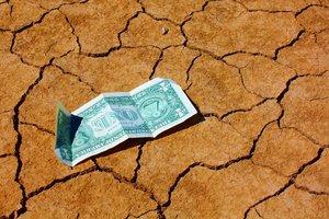 Курс доллара в Украине продолжил пике