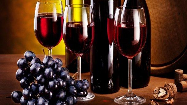 Благодаря содержанию этанола вино укрепляет иммунитет. Фото: medvoice.ru