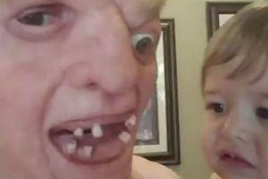 """Видеохит: """"самый страшный"""" в мире папа довел малыша до слез"""