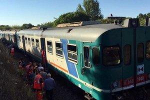 """На юге Италии """"лоб в лоб"""" столкнулись два поезда"""